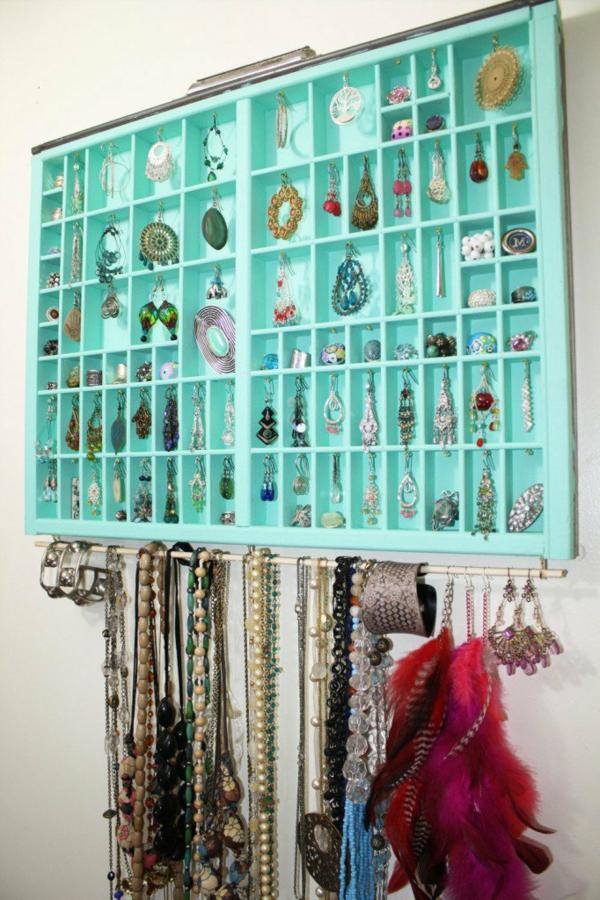 porte-bijoux-mural-casiers-ouverts-en-turquoise