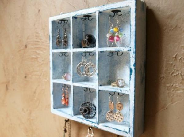 porte-bijoux-mural-casiers-vintage