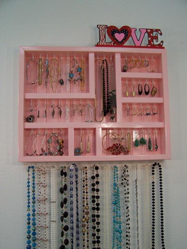 porte-bijoux-mural-design-rose-resized