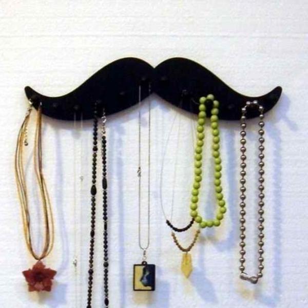 porte-bijoux-mural-la-moustache