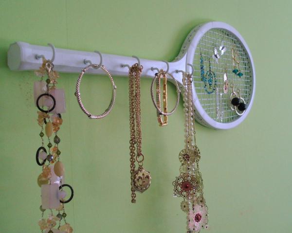 Le porte bijoux mural une d co pratique et belle - Fabriquer porte bijoux facile ...