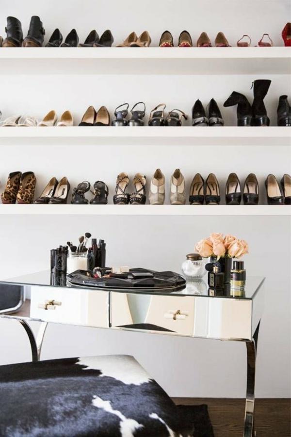 porte-chaussures-mural-étagères
