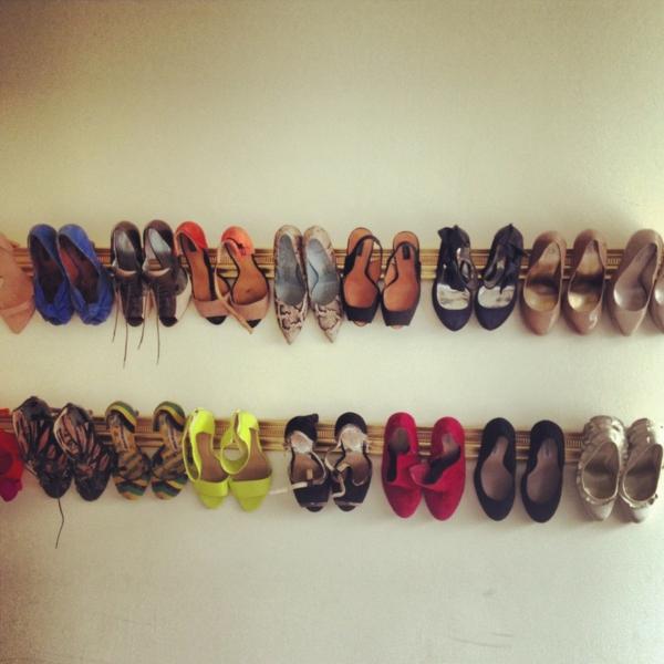 porte-chaussures-mural-en-bois