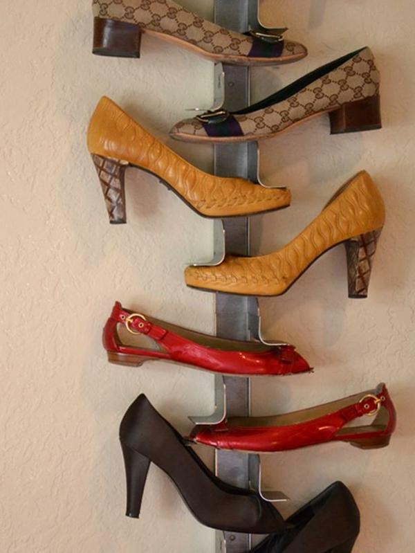 porte-chaussures-mural-rangement-original-en-acier