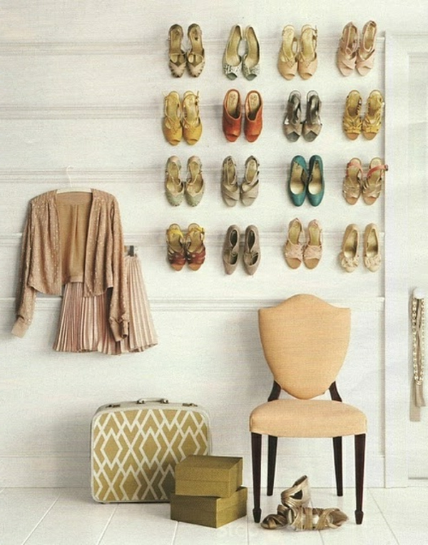 porte-chaussures-mural-un-mur-extravagant