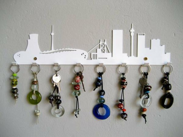 Un porte cl mural original id es cr atives - Comment faire un porte clef ...