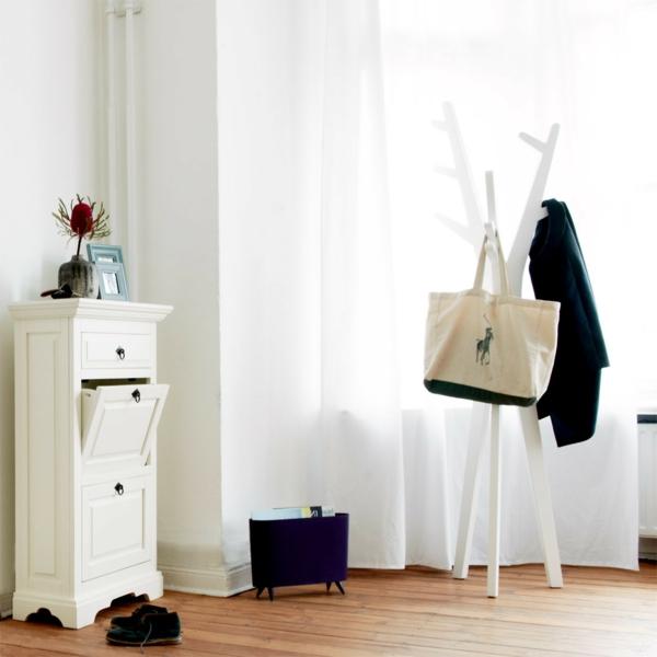 porte-manteau-design-original-un-porte-manteau-blanc-original-en-bois
