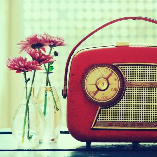 retro-radio-original-pour-uan-design-cool