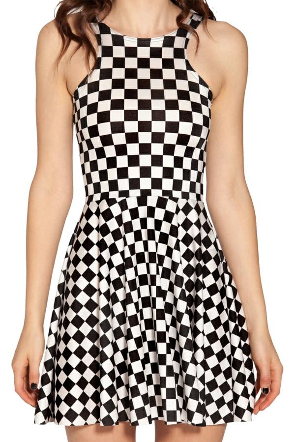 robe-patineuse-en-noir-et-blanc
