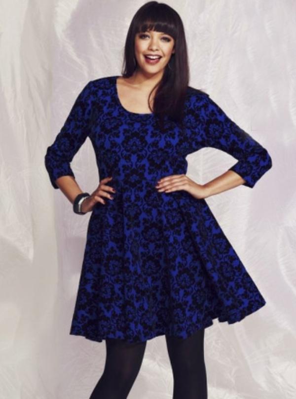 robe-patineuse-en-noir-et-bleu