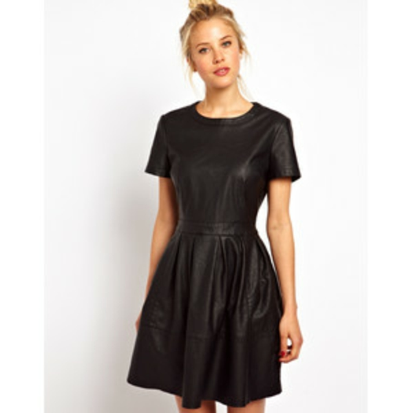 robe-patineuse-faux-cuir