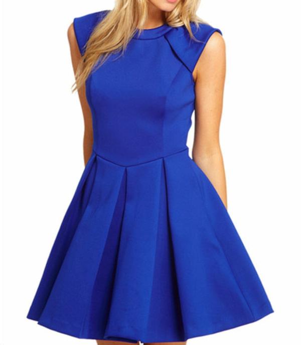 robe-patineuse-robe-bleue-élégante