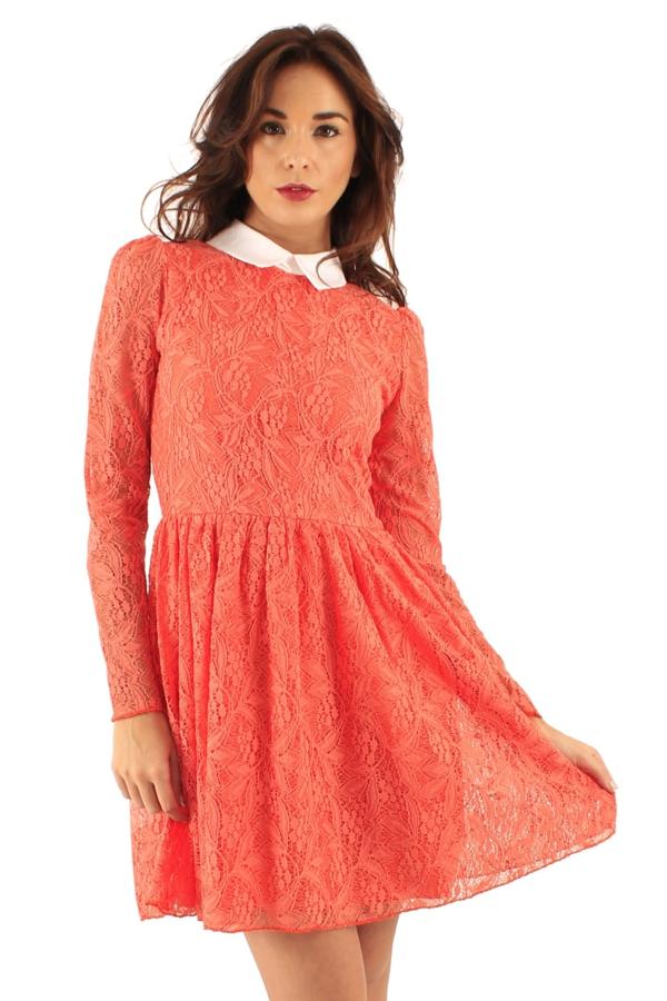 robe-patineuse-robe-rose-avec-dentelle-et-col