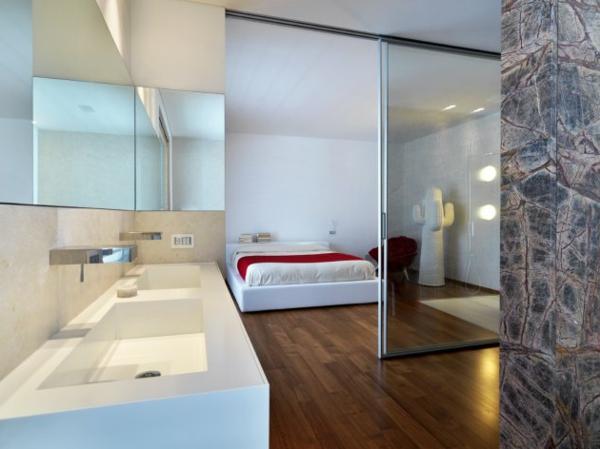 salle-de-ban-et-chambre-à-coucher