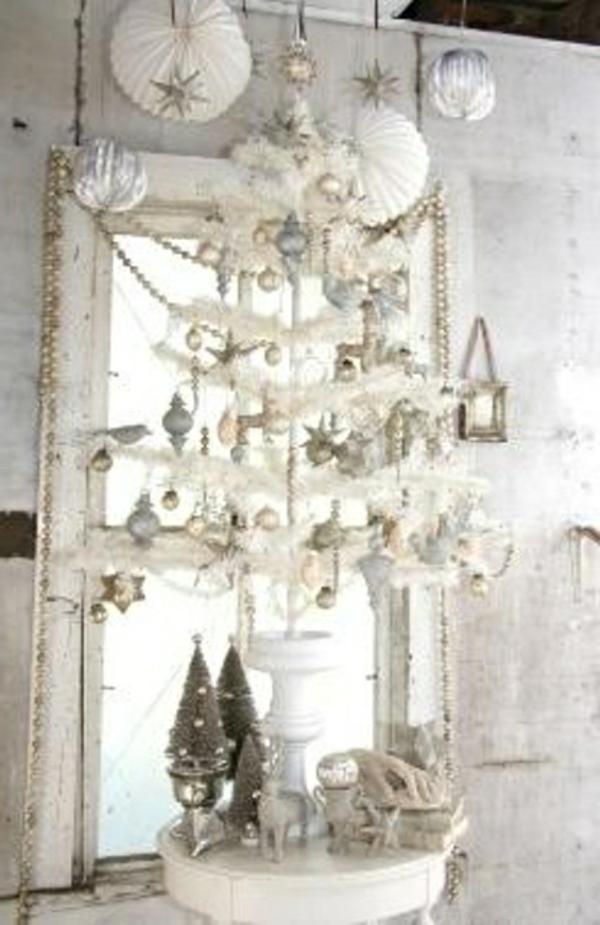sapin-de-noel-blanc-petit-arbre-blanc-de-noel