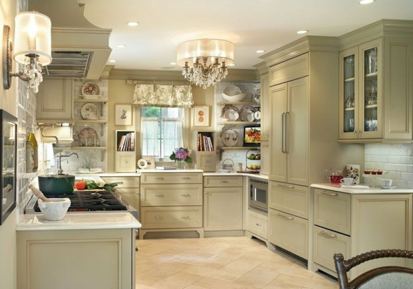 suspension-baroque-luminaire-splendide-baroque-dans-une-cuisine-moderne