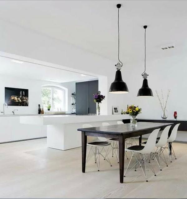 suspension-industrielle-lampes-noires-pendantes-comptoir-blanc