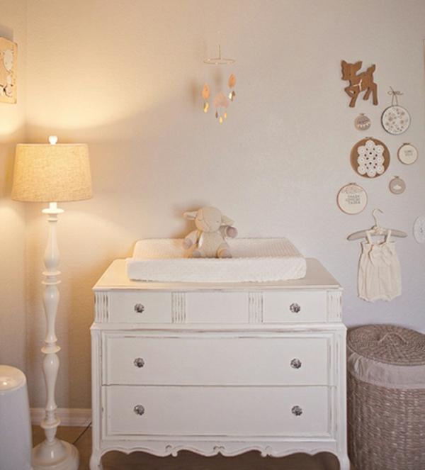 sympa-design-design-de-la-chambre-de-bebe-modern-en-blanc