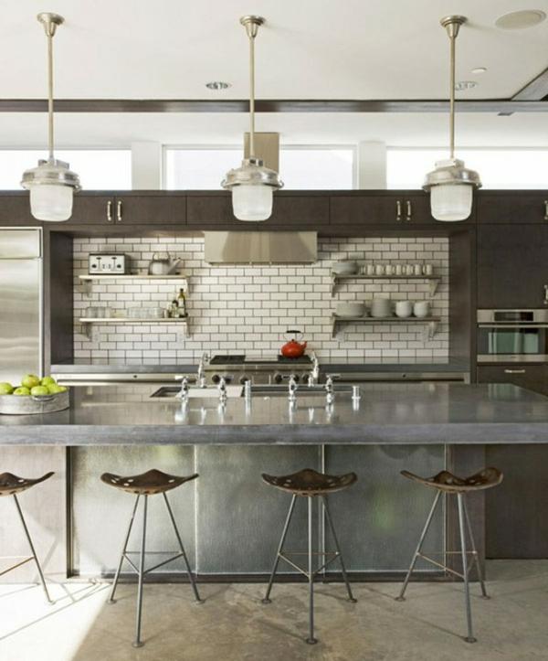 tabouret-de-bar-industriel-intérieur-gris-métallique