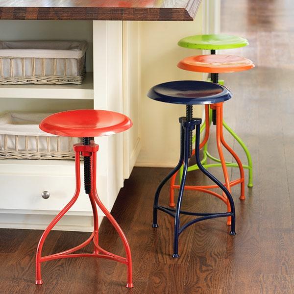 le tabouret de bar industriel apporte une touche d co dans. Black Bedroom Furniture Sets. Home Design Ideas