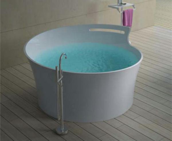 une-ronde-baignoire-pour-votre-intérieur-unique