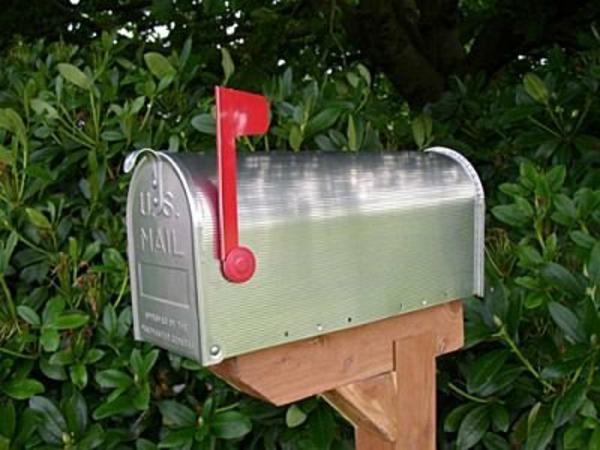 unique-design-pour-la-boîte-aux-lettres-en-ferre