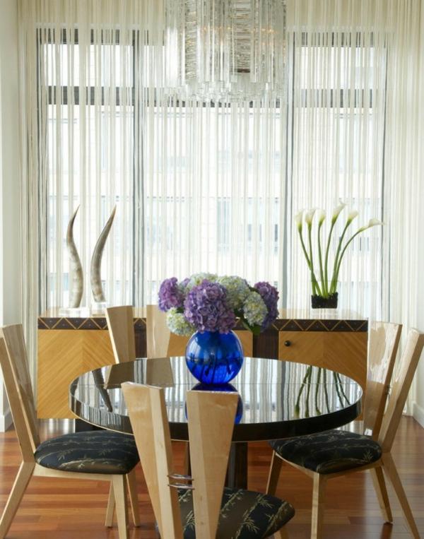 vase-en-bleu-pour-la-table