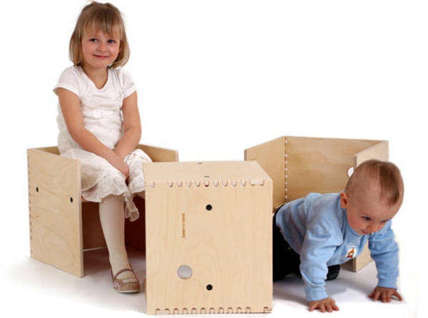 Amazing-wood-kids-furniture-Bench-Table-Playroom-Design-Ideas-resized