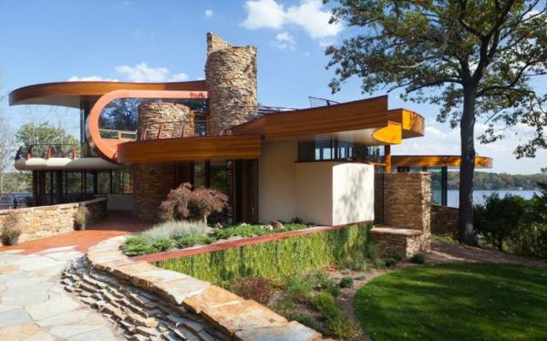House-with-Spiraling-Roof-by-Robert-Harvey-Oshatz-Architect--700x437-resized