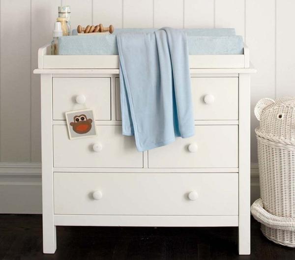 Kendall-petite-table-a-langer-pour-le-bebe-ne-blanc