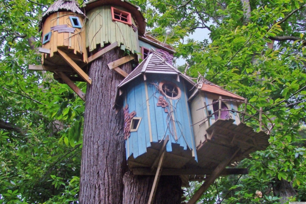 Kids-Treehouse-Plans-and-Designs-resized