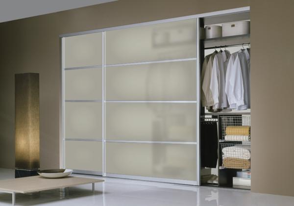 actuel-armoire-en-blanc-transparant-ulissante-de-placard-en-mesure