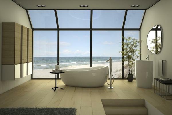 baignoire-asymétrique-et-grandes-fenêtres-lumineuses