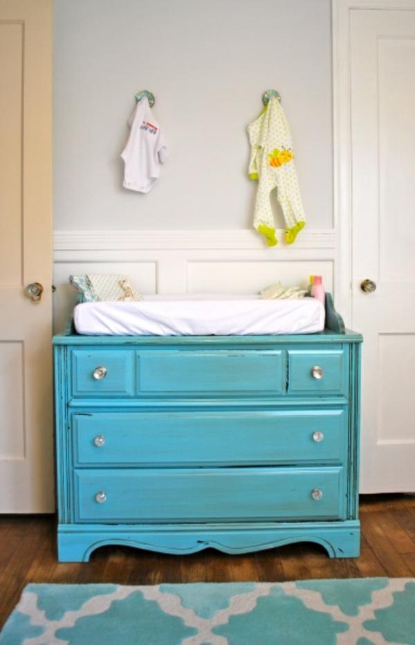bleu-armoire-pour-changer-l'enfant