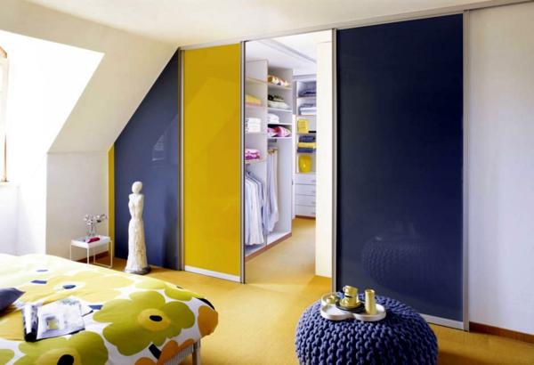 bleu-et-jaune-porte-coulissante-de-dressing