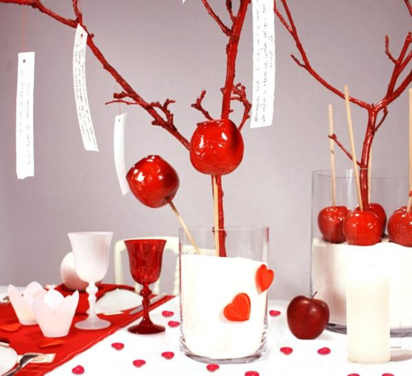 bois-floté-en-rouge-votre-avec-vase