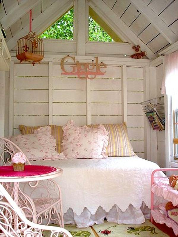 cabane-de-jardin-pour-enfant-chambre-à-coucher-rose