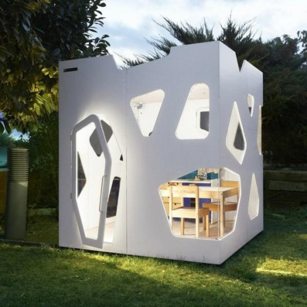La cabane de jardin pour enfant est une id e superbe pour for Hobbit style playhouse