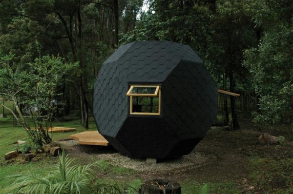 cabane-de-jardin-pour-enfant-design-moderne-noir