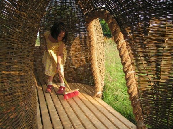 cabane-de-jardin-pour-enfant-en-saule