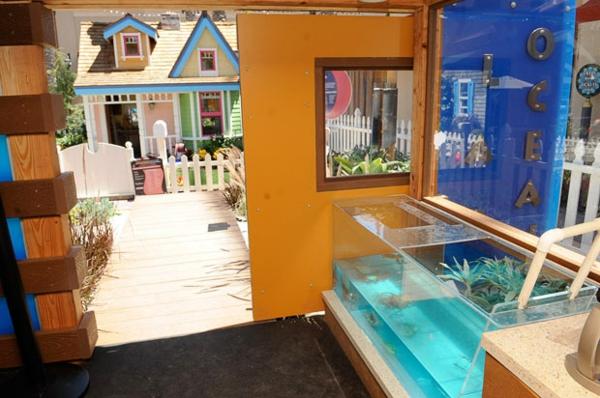 La cabane de jardin pour enfant est une id e superbe pour - Cabane enfant interieur ...