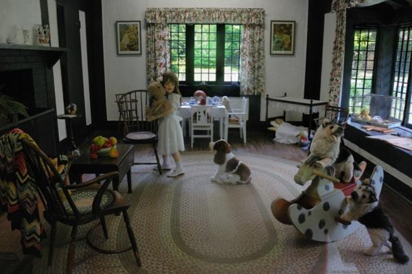 cabane-de-jardin-pour-enfant-intérieur-d'une-cabane-d'enfants-luxueuse