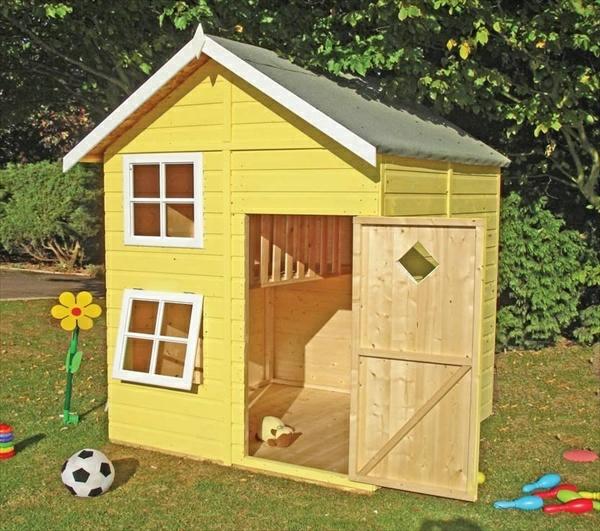 La cabane de jardin pour enfant est une id e superbe pour for Maison pour herisson jardin
