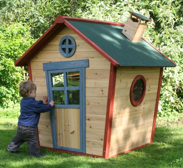 cabane-de-jardin-pour-enfant-maisonnette-jolie-asymétrique