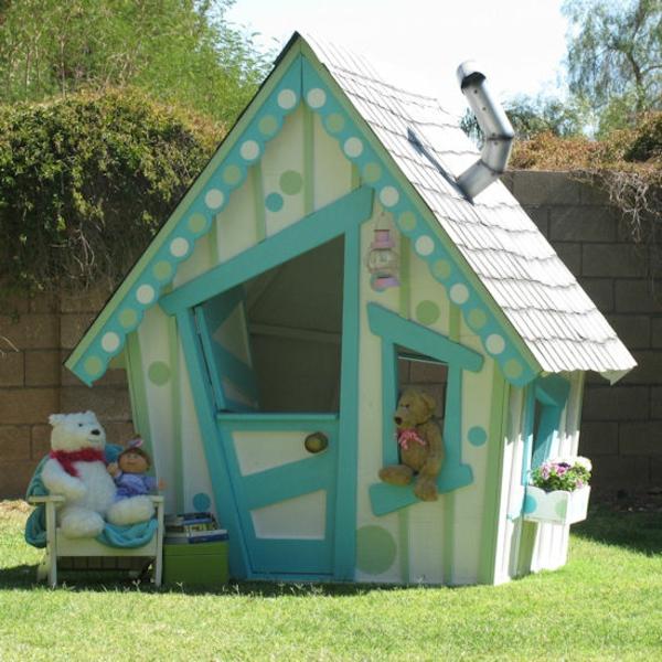 La cabane de jardin pour enfant est une id e superbe pour for Porte cabane jardin