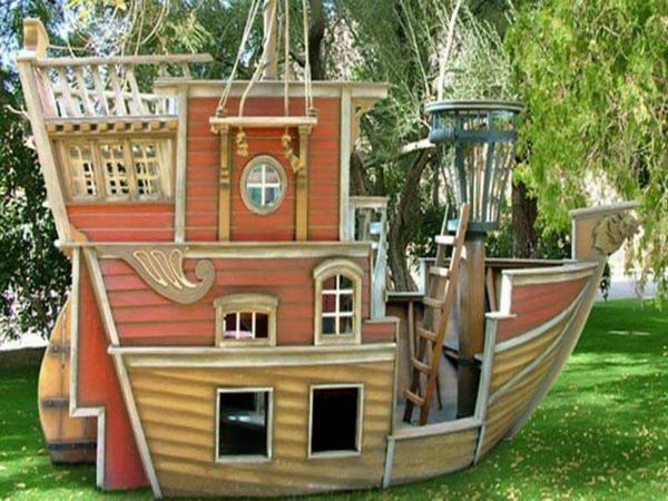 cabane-de-jardin-pour-enfant-un-grand-bateau