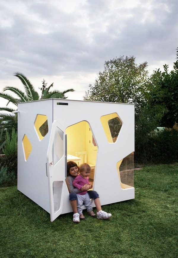 La cabane de jardin pour enfant est une id e superbe pour for Jardin pour villa moderne