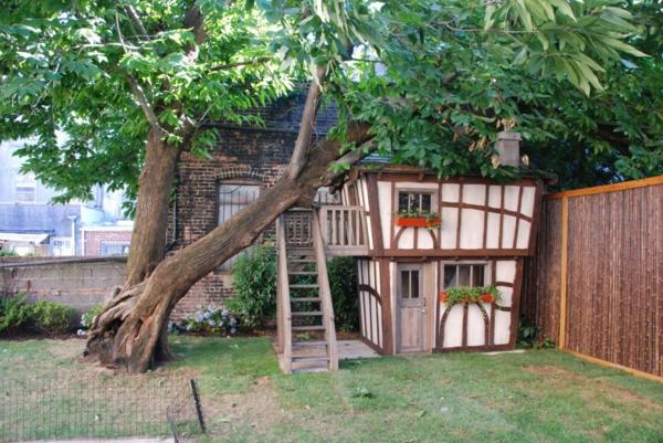 cabane-de-jardin-pour-enfant-une-maisonnette-unique