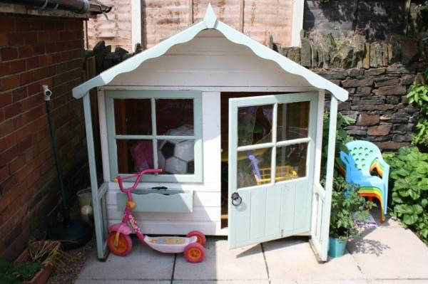 cabane-de-jardin-pour-enfant-une-mini-cabane-pour-enfants