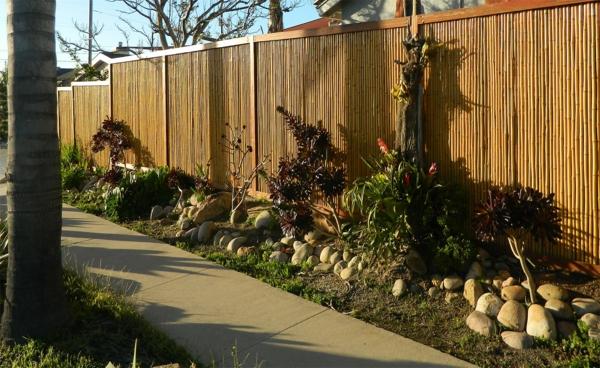 La canisse bambou - une clôture de jardin jolie et ...